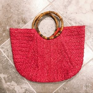 STRAW STUDIOS RED STRAW BAG WITH BAMBOO HANDLE